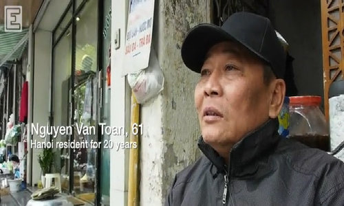 Hanoi residents discuss ho khau and the tolls it takes on migrants