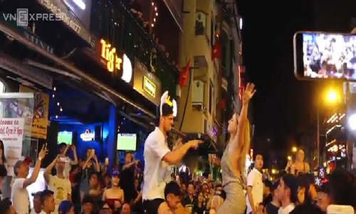 Saigon's backpackers street fired up on New Year's Eve