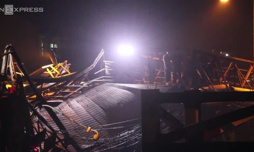 Saigon bridge collapse sends truck and bike into canal, no death reported