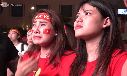 Fans burst to tears as U23 Vietnam lost crown to Uzbekistan at the last minute