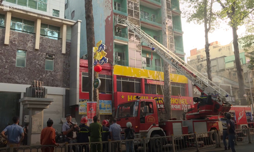 19 people were saved after a fire broke out at an 8-story hotel in Saigon's Chinatown