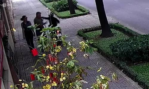 Saigon police hunt for culprit snatching Russian diplomat in downtown sidewalk