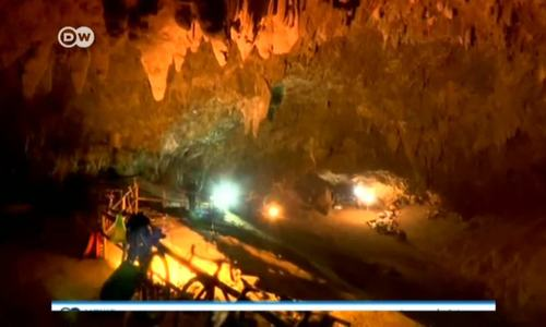 Navy divers search for children trapped in Thai cave