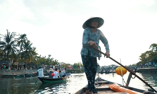A day with the oldest boat couple in Hoi An