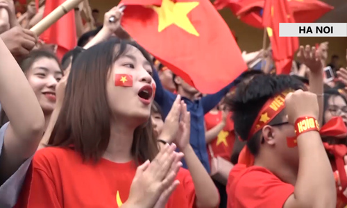 Fans fill up Hanoi, Saigon streets as Vietnam plays first Asiad semifinal