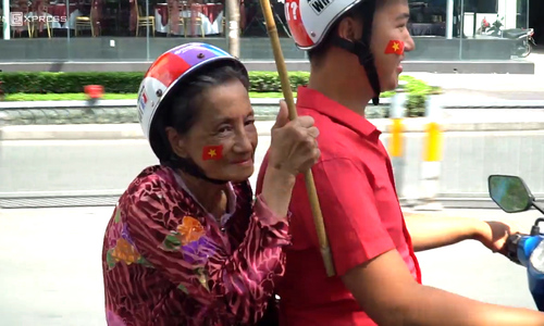 66-year-old mother, son among most avid Vietnam football fans