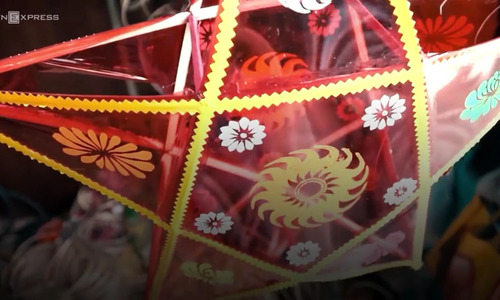 Behind the scenes with Moon Festival lantern maker