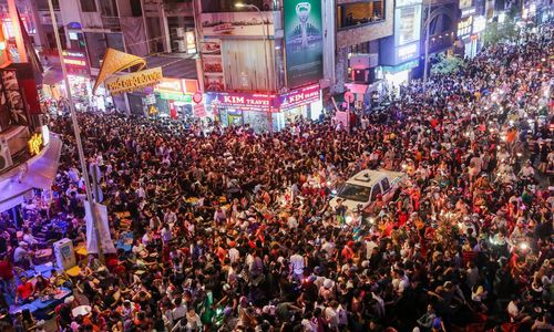 Saigon backpacker street goes all out for Halloween
