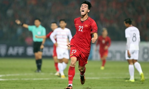 Vietnam reach AFF Cup semi-final after 3-0 win over Cambodia – as it happened