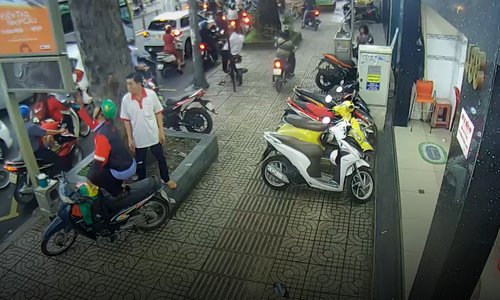HCMC thieves set sight on new targets: public electronic devices