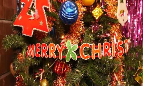 Warm Christmas at Ruby Home Vietnam - Chị Nhi làm giúp em ạ