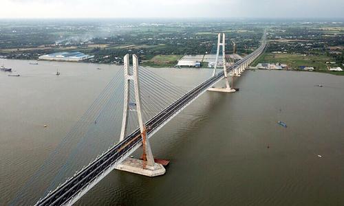 Long awaited bridge makes your Mekong Delta travel easier