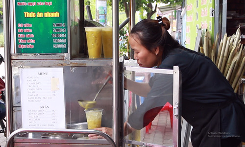 Natural sweetness to soothe parched throats - sugarcane juice