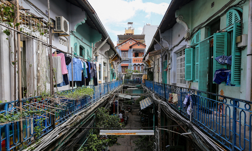 Exploring 100-year-old alley in Saigon's Chinatown