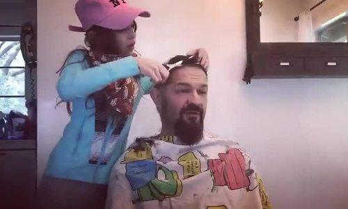Những phiên bản lỗi khi cắt tóc tại nhà - ảnh 2
