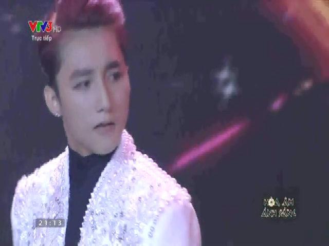 Sơn Tùng M-TP hát 'Buông đôi tay nhau ra'