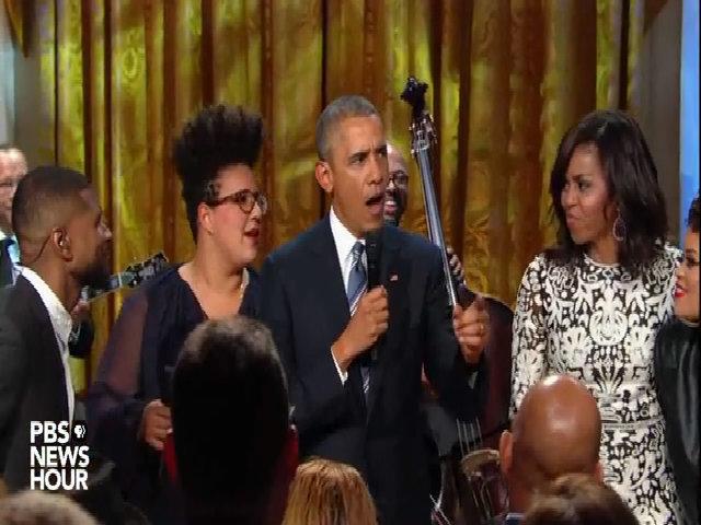 Obama bắt nhịp cho các nghệ sĩ hát