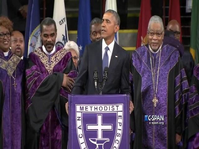Obama hát trong đám tang của một mục sư