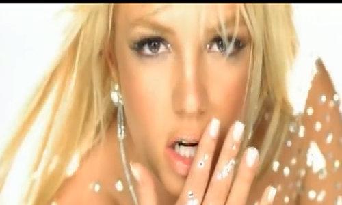 Britney Spears bị fan chỉ trích khoe mẽ - ảnh 2