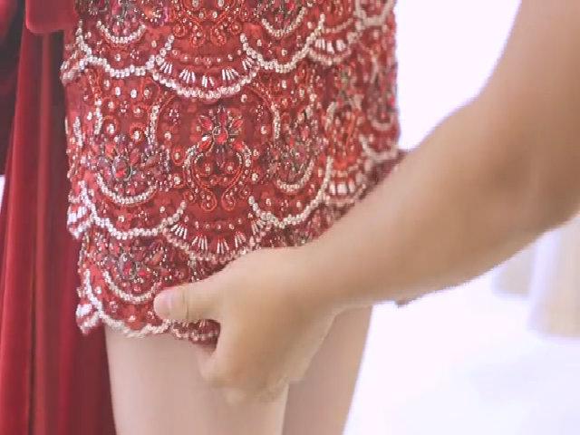 Cận cảnh váy xẻ ngực 2.000 USD của Ngọc Trinh