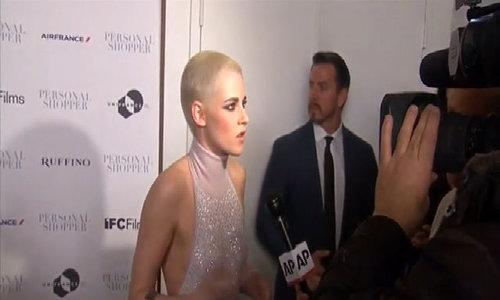 Kristen Stewart gây sốc với mái tóc cắt trụi