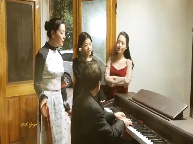 Gia đình hạnh phúc của nghệ sĩ Chiều Xuân