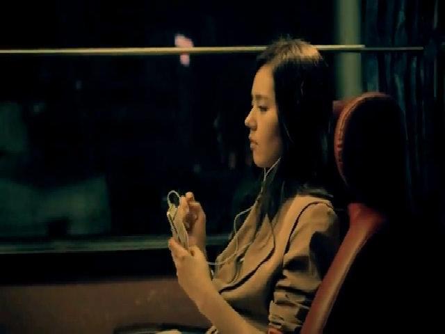 Ngoại hình gây sốt của Han Ga In trong MV ca nhạc