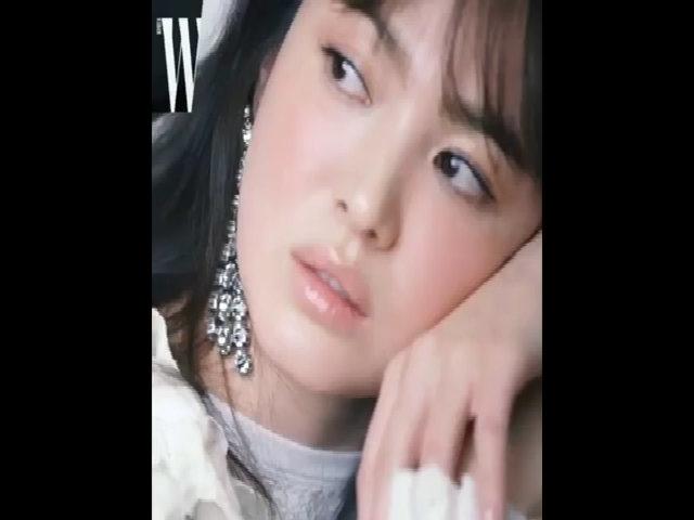 Song Hye Kyo khoe nhan sắc nữ thần trên tạp chí