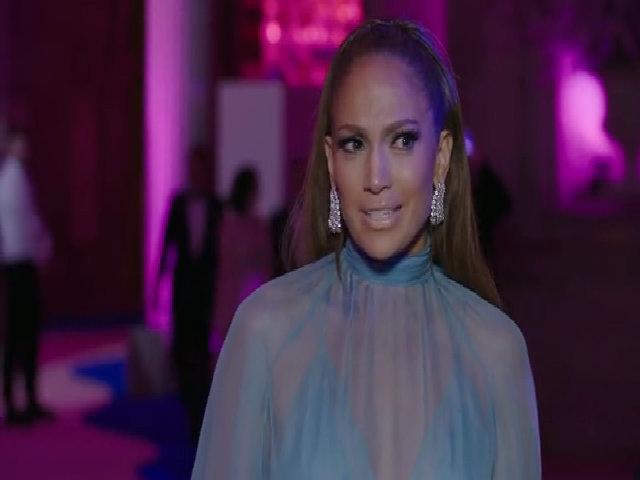 Jennifer Lopez thanh lịch ở thảm đỏ Met Gala 2017