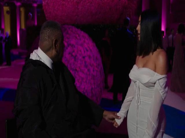 Kim Kardashian ở Met Gala 2017
