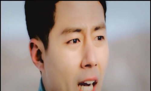 jo-in-sung-va-song-hye-kyo-trong-gio-mua-dong-nam-ay-1494666401_500x300.jpg