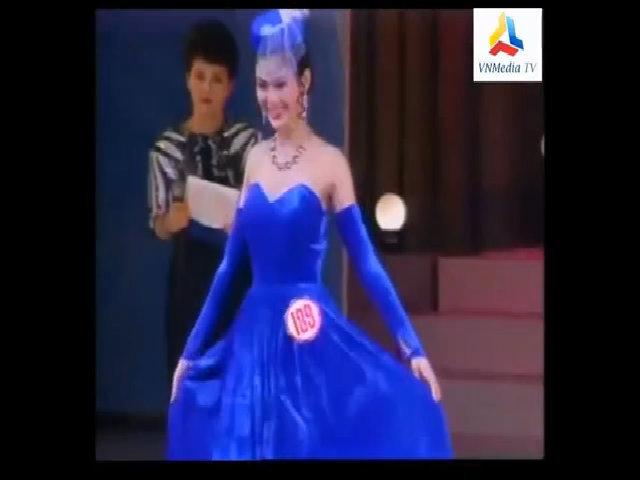 Giây phút đăng quang của hoa hậu Thu Thủy