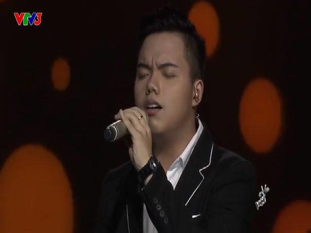 Anh Đức hát 'Người ơi người ở đừng về'