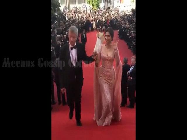 Sonam Kapoor trên thảm đỏ