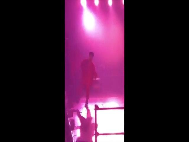 G-Dragon gặp nạn trên sân khấu Bangkok