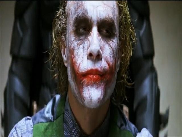 "Cảnh Batman tra khảo Joker trong ""The Dark Knight"""