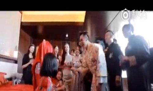 Con gai Chung Le De phan doi me mang thai o tuoi 48