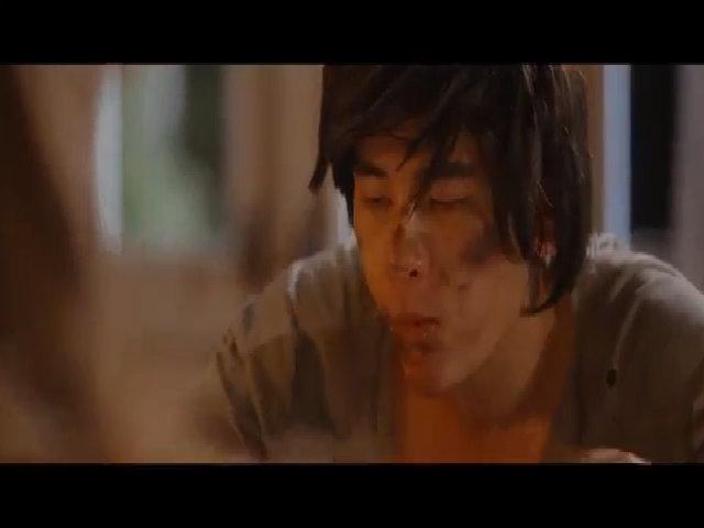 Minh Trung hóa người sói trong MV đầu tay