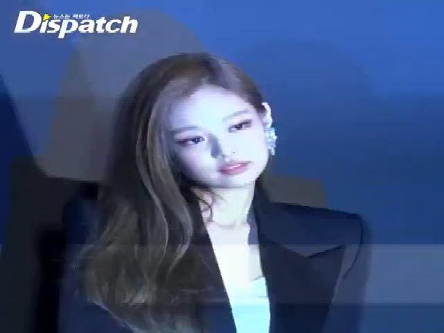 Jennie dự sự kiện thời trang