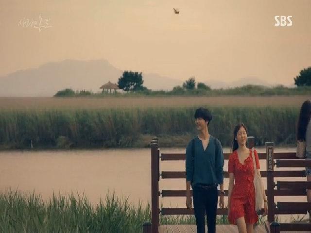 "Seo Hyun Jin ""hẹn hò"" trai trẻ trong phim"