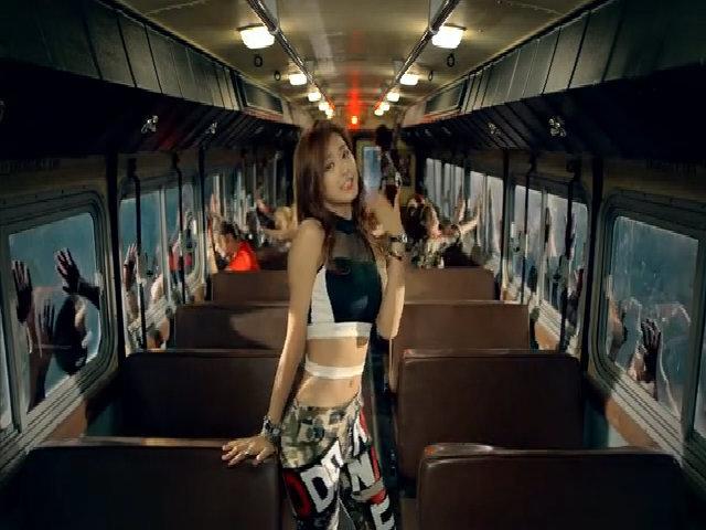 Tzuyu trong MV đầu tay