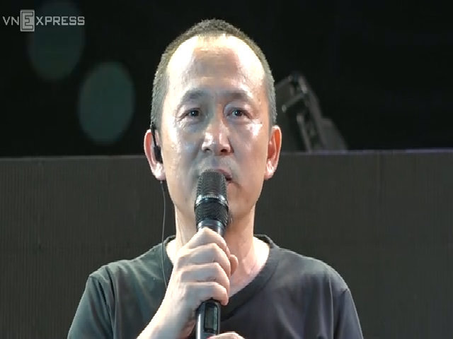 Quốc Trung khóc trước tình cảm của khán giả cho Monsoon