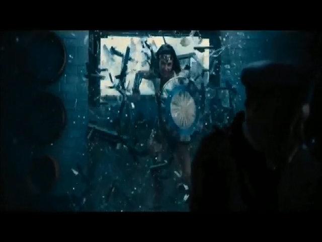 "Gal Gadot chiến đấu trong ""Wonder Woman"""