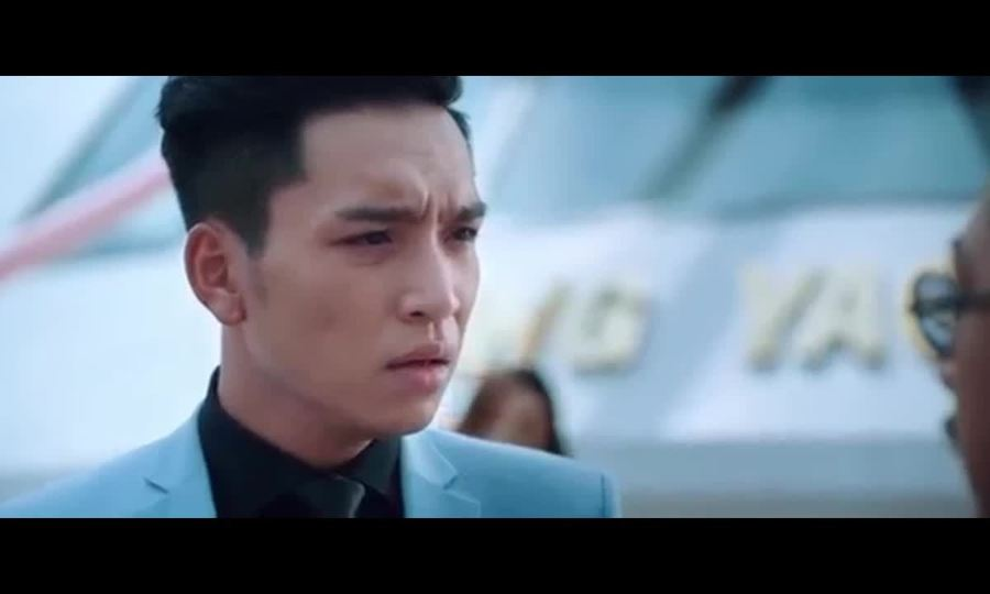Hoài Linh nghi ngờ giới tính cháu nội trong phim hài