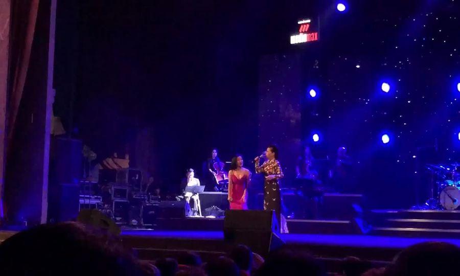 Khánh Ly và Hồng Nhung hát 'Nắng thủy tinh'