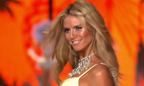 Heidi Klum dính hon vói bạn trai kém 17 tuỏi