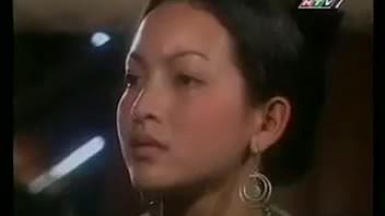 Linh Nga trong phim 'Đốm lửa biên thùy