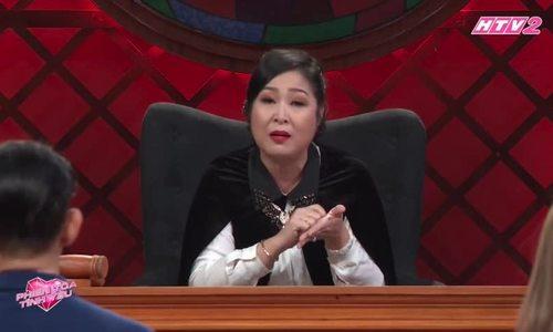 NSND Hong Van khoc ke chuyen tung bi bo danh