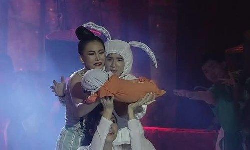 Cô gái Huế đoạt giải quán quân 'Duyên dáng Bolero'