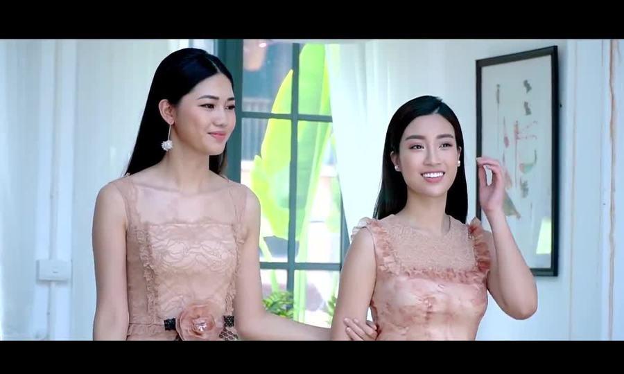 Hậu trường Đỗ Mỹ Linh, Thanh Tú đọ dáng với váy xuyên thấu
